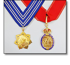 National honours on collarets